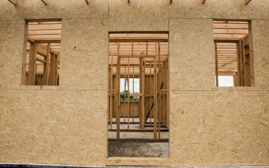 Dzień 23 i 24 - płyty OSB na ścianach zewnętrznych