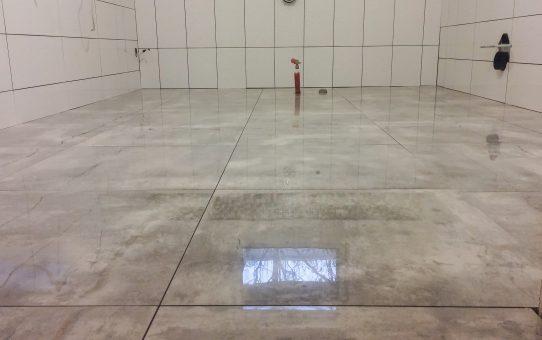 Dzień 141-145 – Płytki podłogowe w łazience