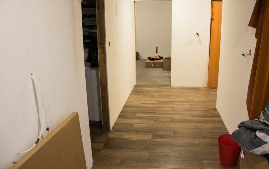 Dzień 151-156 – Płytki podłogowe w korytarzu
